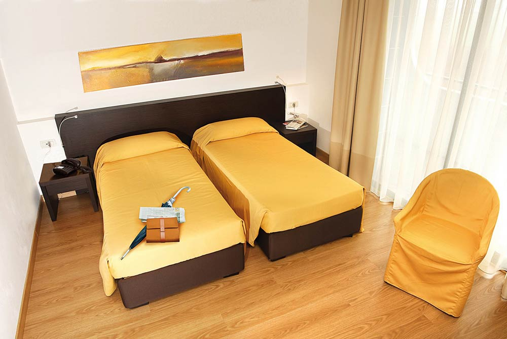 Hotel With Superior Rooms In Vicenza Satellite Tv Air